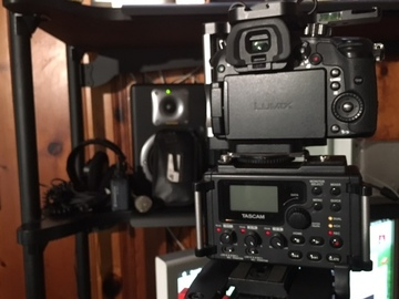 Rent: Tascam 60D with rechargeable USB battery