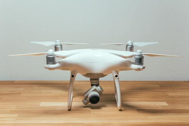 DJI Phantom 4 Pro Quadcopter + 2 Batteries + 64GB micro SD