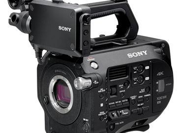 Sony PXW-FS7 XDCAM Super 35 Camera Basic Kit