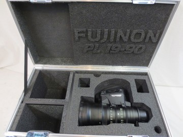 Rent: Fujinon 19-90 w/ Servo + Arri Matte Box + Lens Support