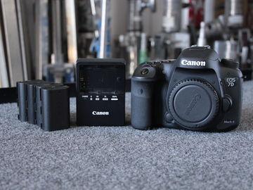 Rent: Canon 7D Mark ii w/ Grip (5) Batteries