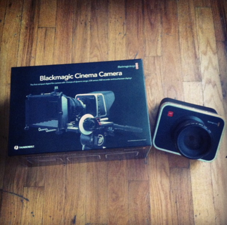 Blackmagic Cinema Camera 2.5K EF