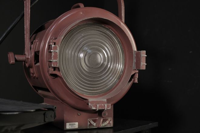 "Mole Richardson 2K Fresnel,  10"" Junior, type 412"