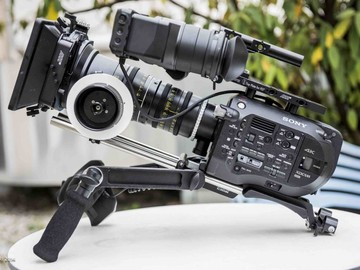 Rent: Basic Sony PXW-FS7 4K Camera Package