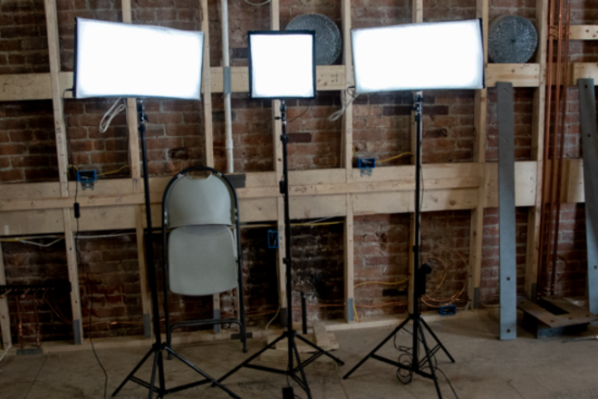 Compact lighting kit