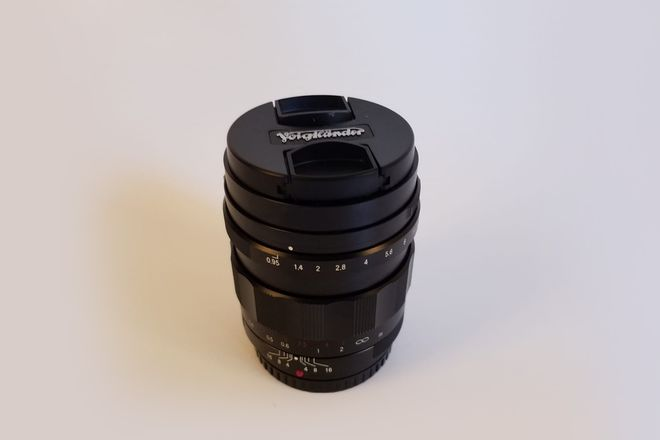 Voigtlander 25 mm f/0.95 Type II Lens for Micro Four Thirds