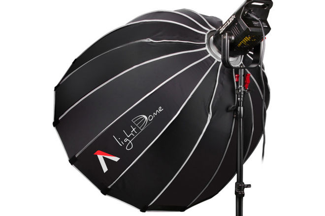 Aputure LS C120d with Light Dome and stand