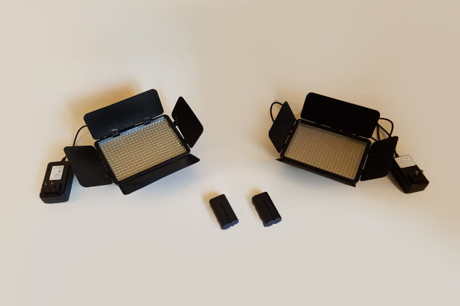 Vidpro LED-330X  Variable-Color Video Light