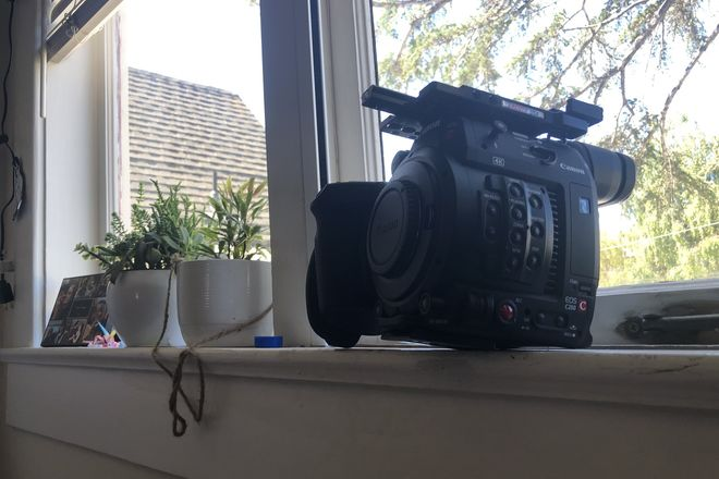 Canon EOS C200 with Lmv1 and extra battery and case