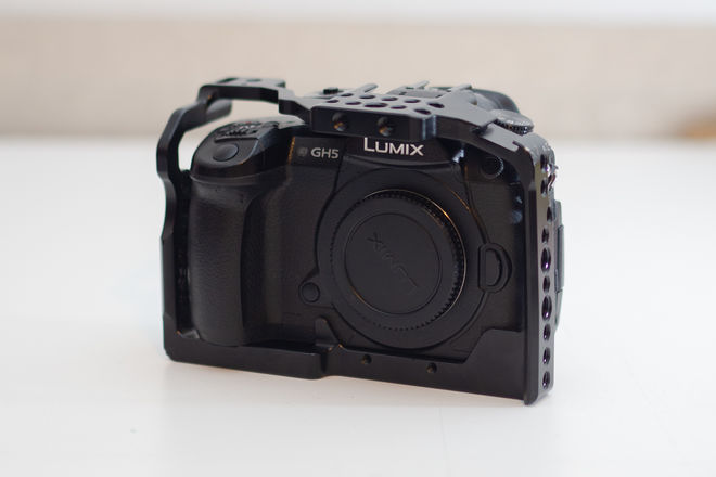 Panasonic Lumix DC-GH5, V-LOG, Metabones Ultra, Sigma 18-35