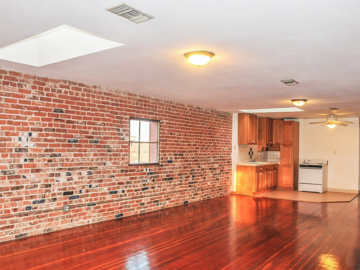 Rent: loft, very nice