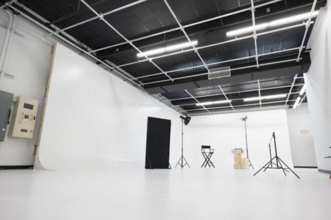 Studio Wynwood 10 Hours.