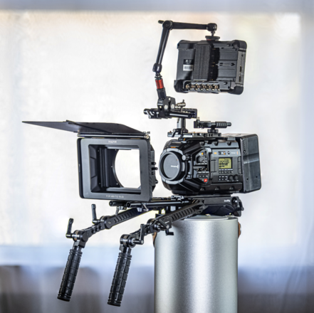 URSA Mini Pro G2 EF/PL - Atomos Monitor + Matte Box  + Batts