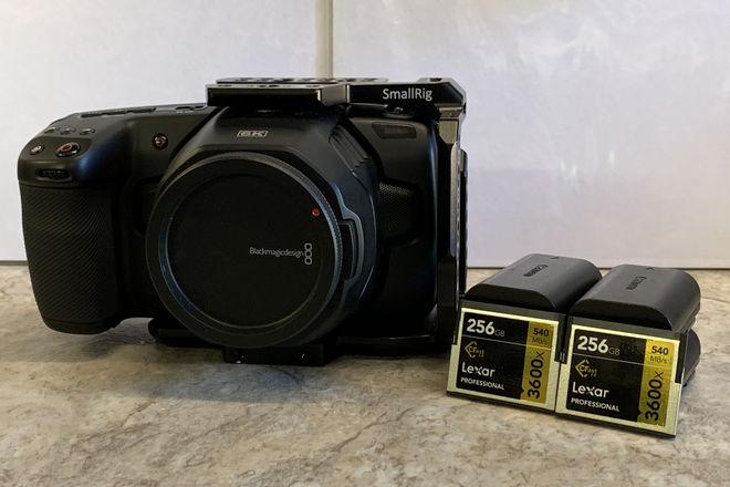 Blackmagic Pocket Cinema Camera 6K w/cage & 2 C-Fast Cards