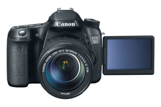Canon EOS 70D Package w/ 18-135mm Kit Lens
