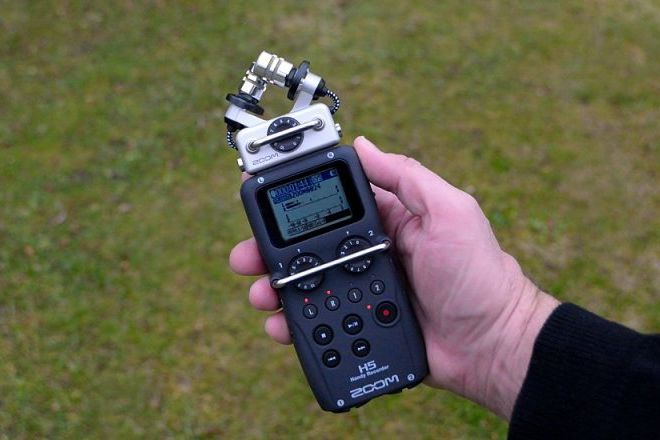 Zoom H5 Handy Portable Audio Recorder