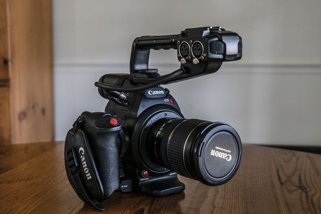 Canon C100 Mark II + Canon EF-S 17-55mm f/2.8 IS Lens