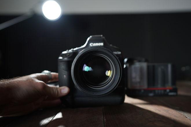 Canon EOS-1D X Mark II + (2) 256 Cfast2 cards + (2) Battery