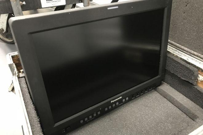 Panasonic BT-LH1710 17-in Widescreen LCD Monitor