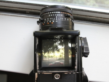 Rent: Hasselblad 501C Kit with Zeiss 80mm F2.8 Lens and A12 back