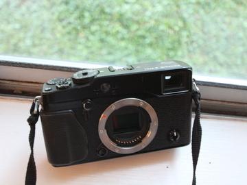 Rent: Fujifilm X‑Pro1 16.3 MP Mirrorless Digital Camera