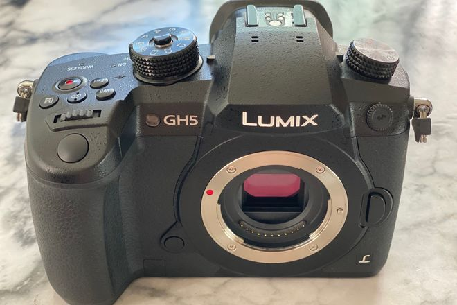 Panasonic Lumix GH5 Body + necessities