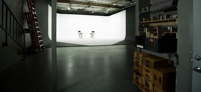 3-Wall Cyc Studio Stage