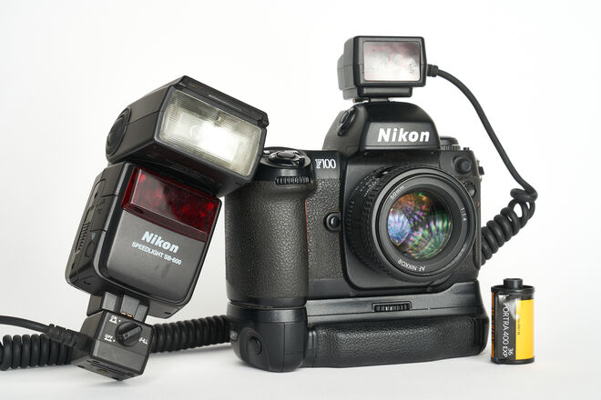Nikon F100 35mm Film camera w/50mm f1.4 af and flash