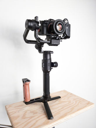 DJI Ronin-S with mechanical fallow focus and monitor mount