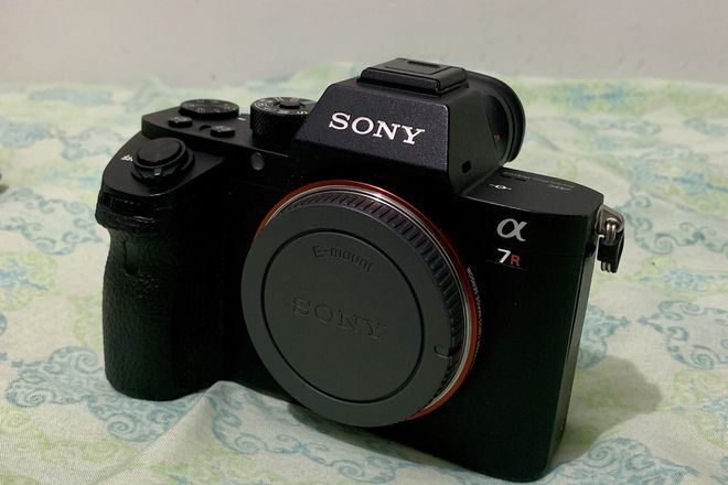 Sony Alpha a7R II Mirrorless Digital Camera