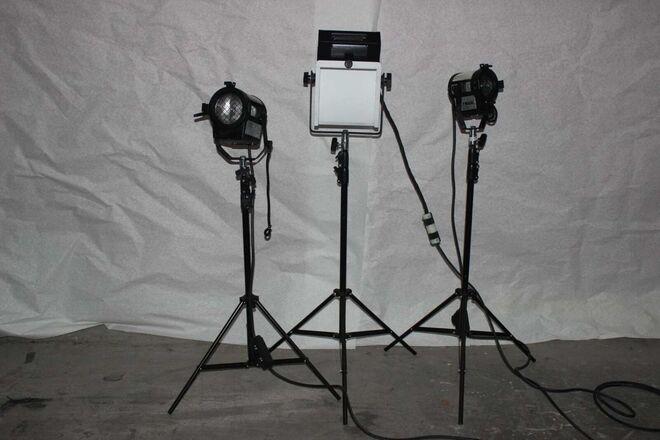 Altman Foto Pac Lighting Kit w/Rolling Case