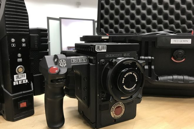 RED Gemini 5K DSMC2 S35 Camera (Standard Package)