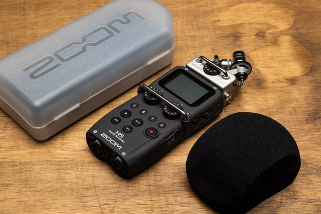 Zoom  H5 with Case and Windscreen