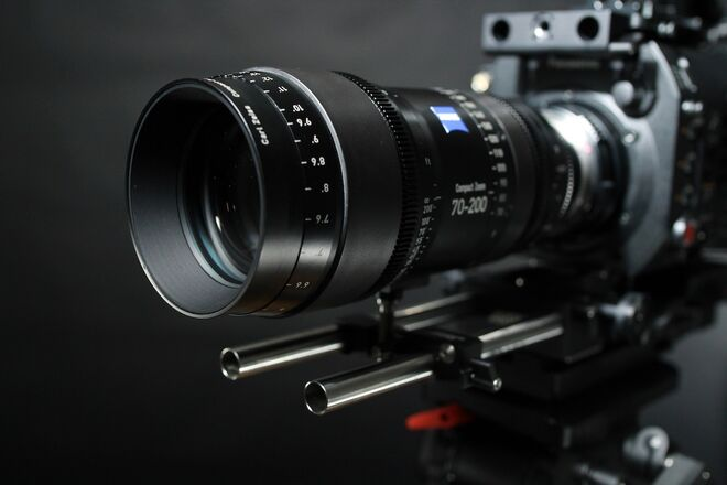 Zeiss Compact Zoom CZ.2 70-200mm T2.9 (EF Mount)
