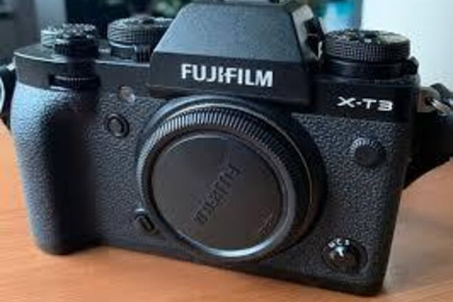 Fuji X-T3 Mirrorless Digital Camera