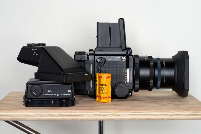 Mamiya RZ67 PRO II kit w/ 65mm F/4 L-A lens and 2X 120 backs