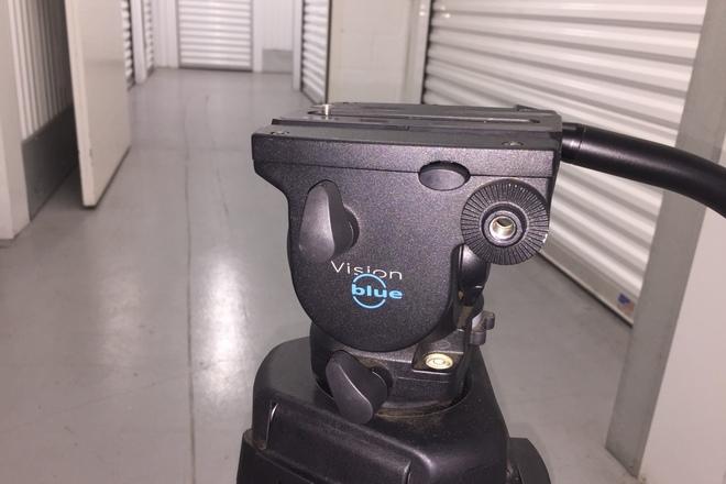 Vinten Blue Fluid Head & Pozi-Lock Tripod System