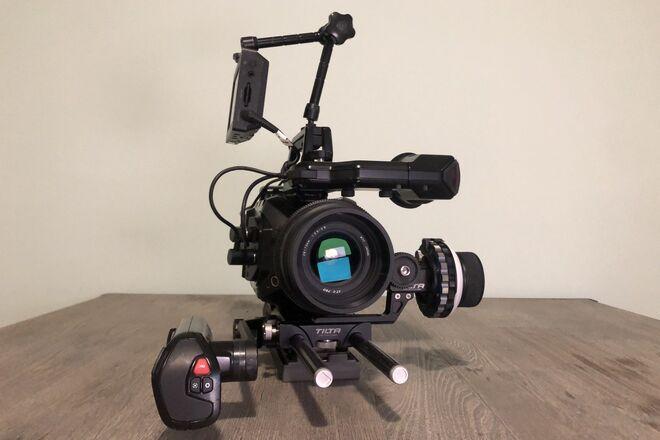 Blackmagic URSA Mini 4.6K PL + Zoom lens + Full Kit