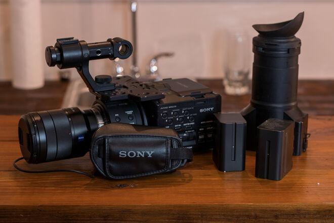 Sony NEX-FS100U Camcorder (Sony FS100) w/24-70mm Lens