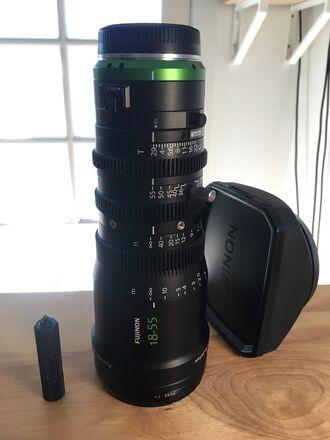 Fujinon MK 18-55mm T2.9 Cine Zoom – E-Mount with support