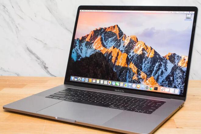 MacBook 2017 15-inch i7, 16 GB RAM