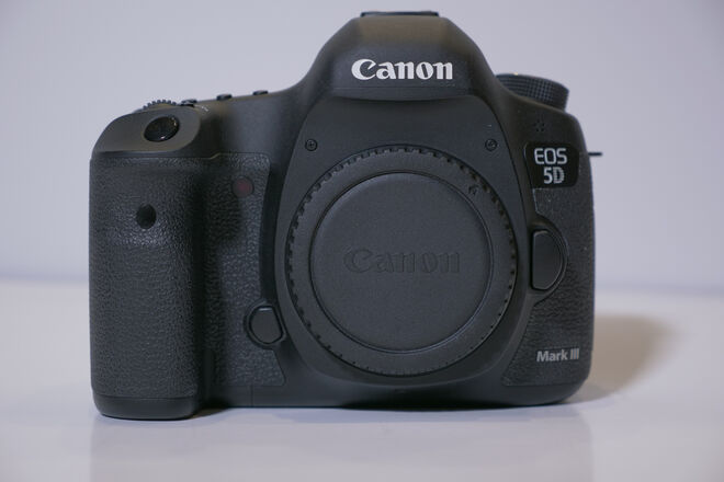 Canon EOS 5D Mark III Full Frame Camera Body