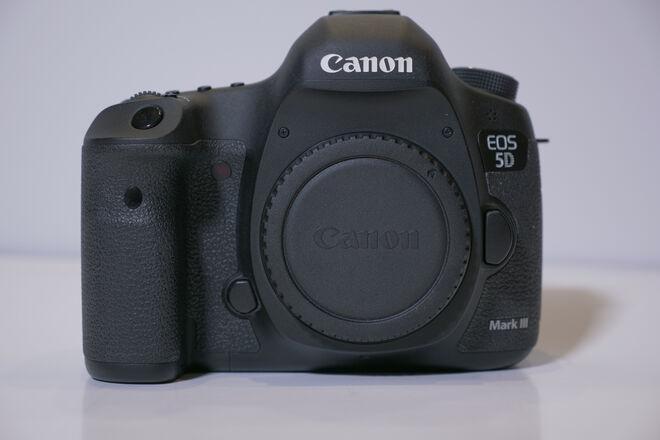 Canon EOS 5D Mark III Full Frame Camera Body