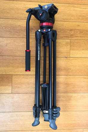 Manfrotto MVH502A Fluid Head Tripod