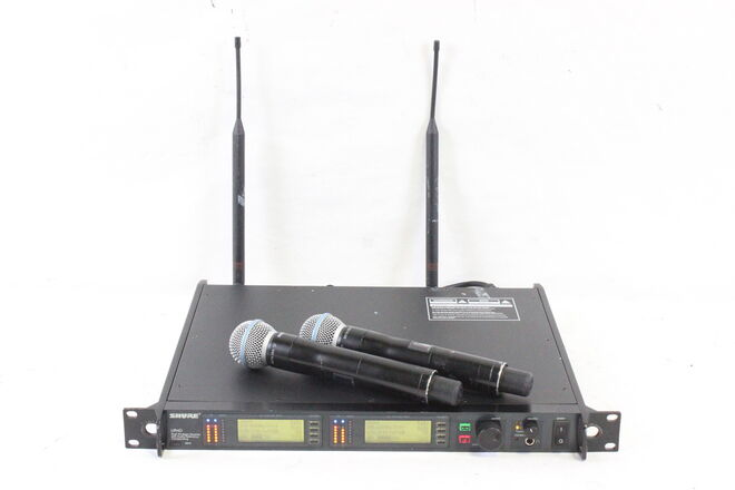 Shure UR4D - G1 Band (470 - 530 MHz) Dual-channel UHF System