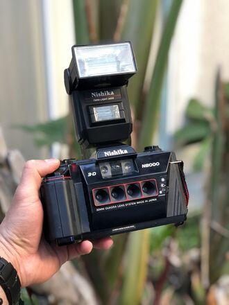 Nishika N8000 3D Stereoscopic Camera + Flash