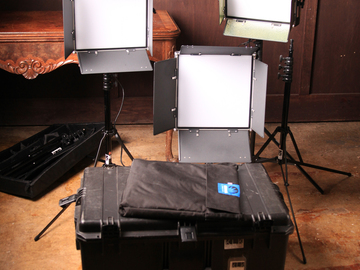 Rent: 3x Soft Bi-Color Light Kit in a Box