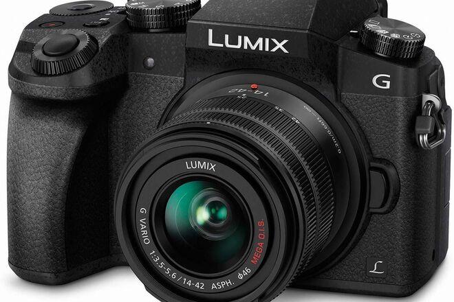 Panasonic Lumix G7 + 25mm 1.7f + 14-42mm + VT300 Tripod