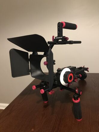 Neewer Shoulder Rig with Matte Box, Follow Focus, Top Handle