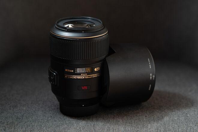 AF-S VR Micro-Nikkor 105mm f/2.8G IF-ED Lens for Nikon F